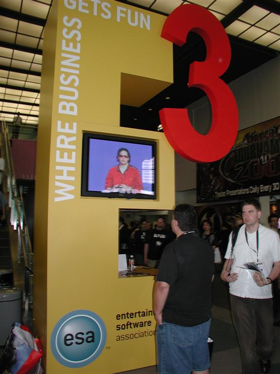 Photos: E3 2005 From the Show Floor - 49515