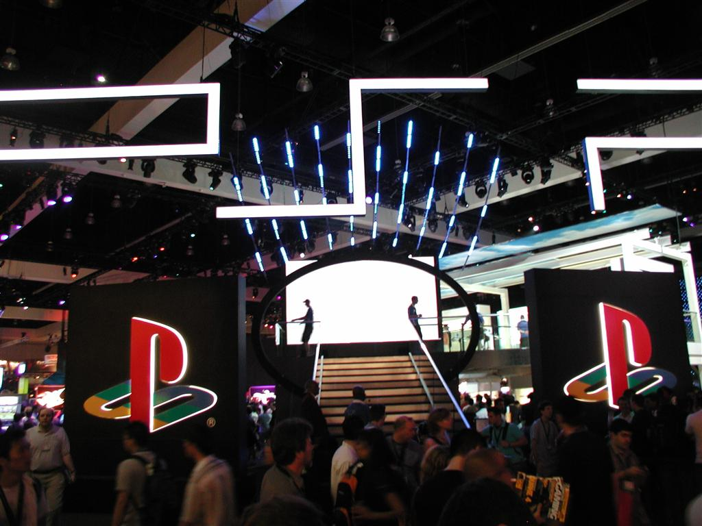 Photos: E3 2005 From the Show Floor - 49521