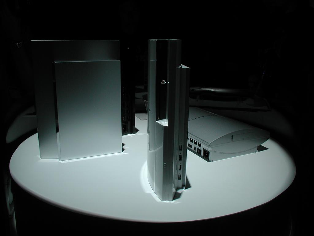 Photos: E3 2005 PS3 On the Show Floor - 00536