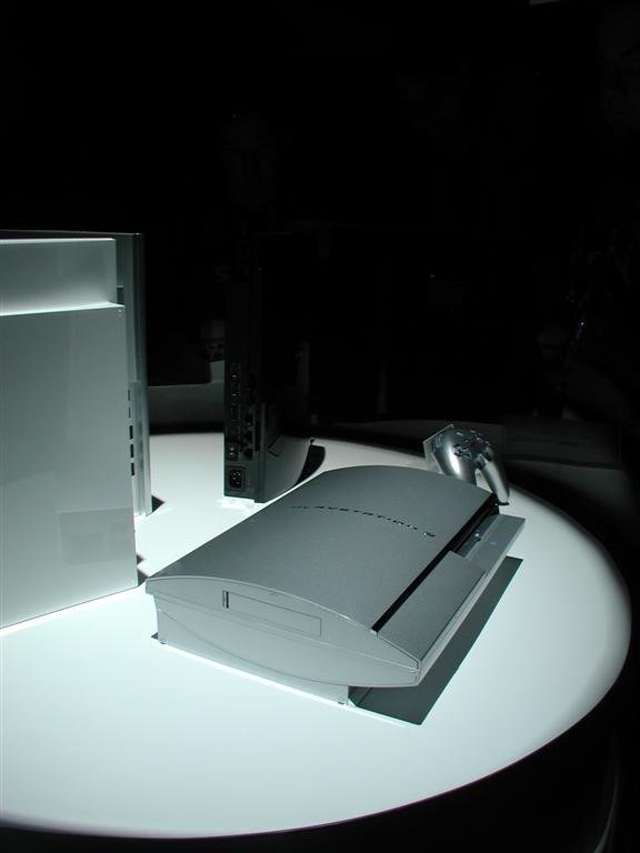 Photos: E3 2005 PS3 On the Show Floor - 00537