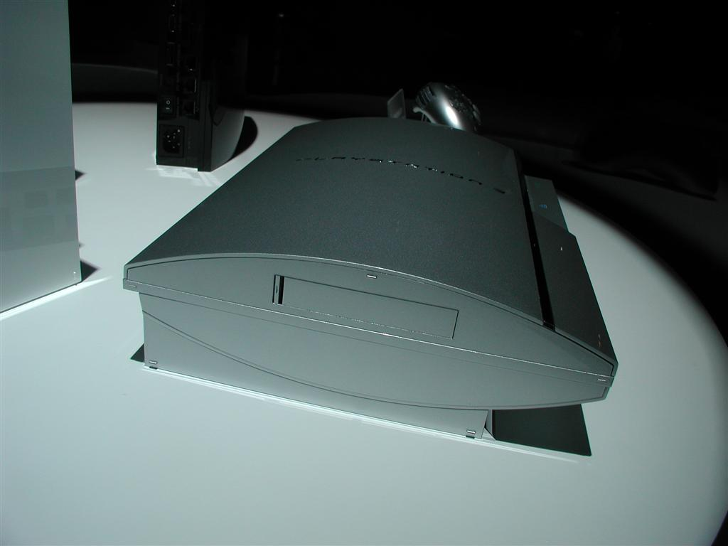 Photos: E3 2005 PS3 On the Show Floor - 00543