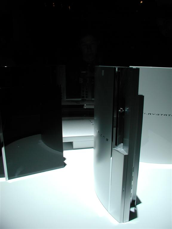 Photos: E3 2005 PS3 On the Show Floor - 00529