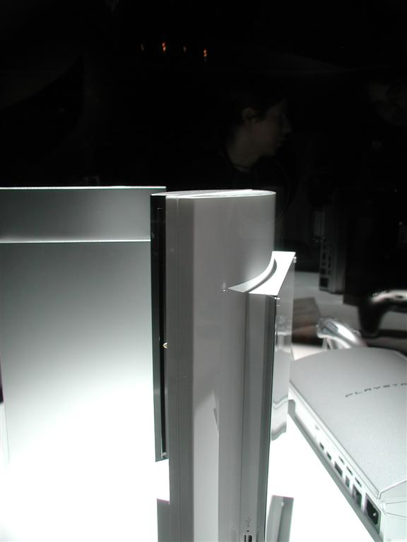 Photos: E3 2005 PS3 On the Show Floor - 00531