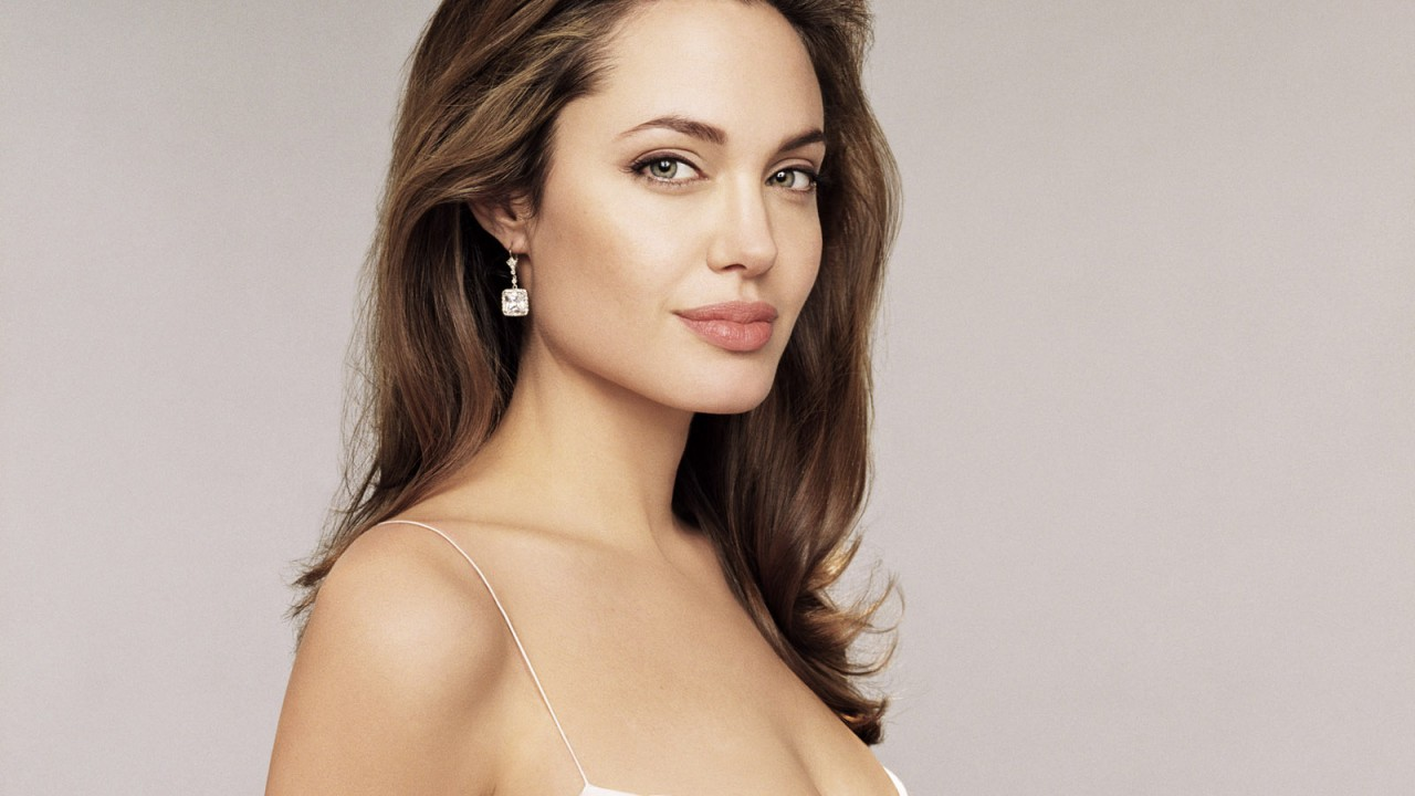 Angelina Jolie 5 Wallpapers