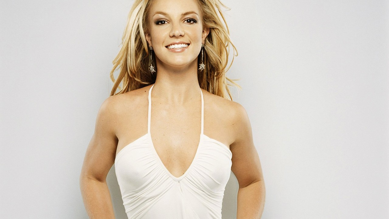 Britney Spears Smiling Wallpapers