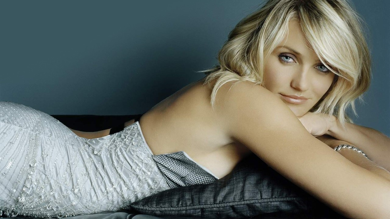 Cameron Diaz in Repose Wallpapers