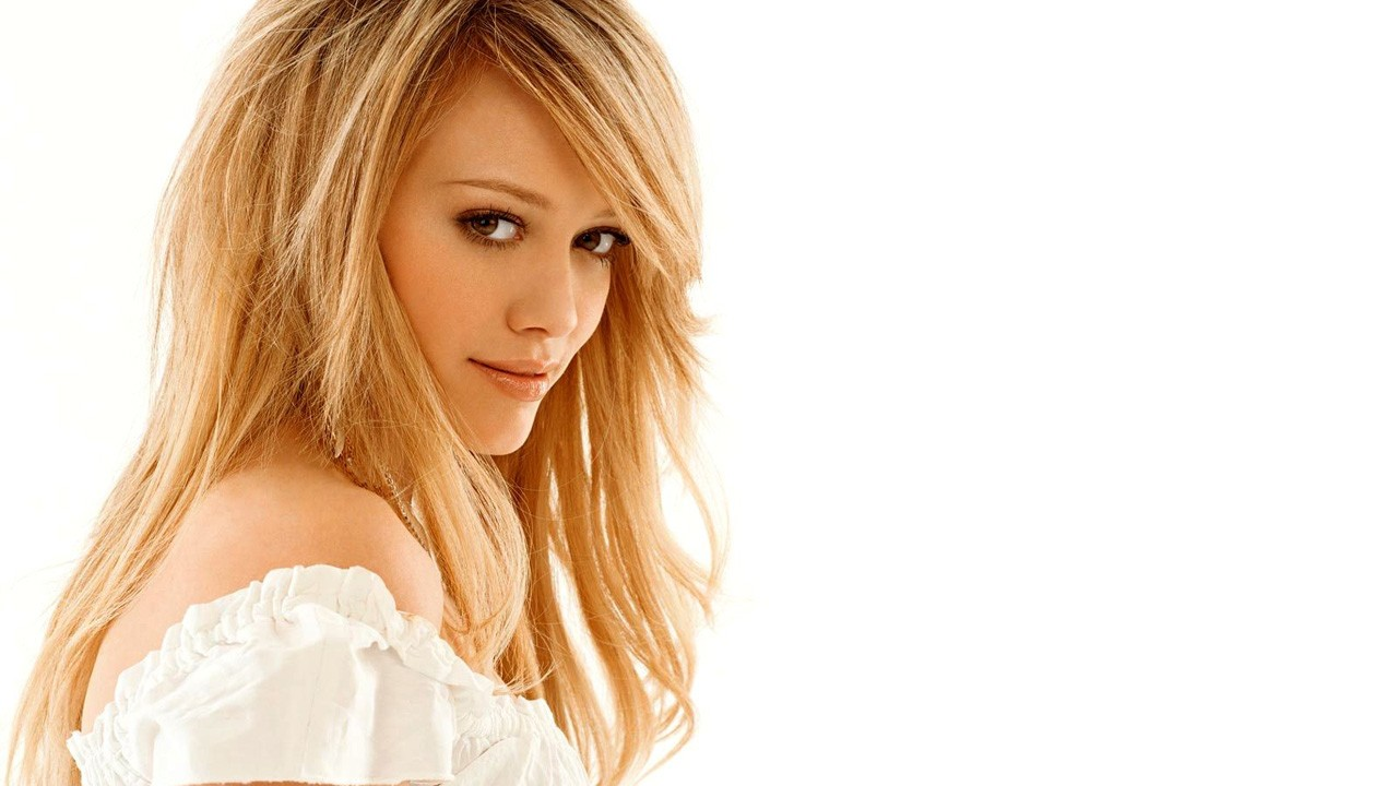 Hilary Duff: Big Green Eyes Wallpapers
