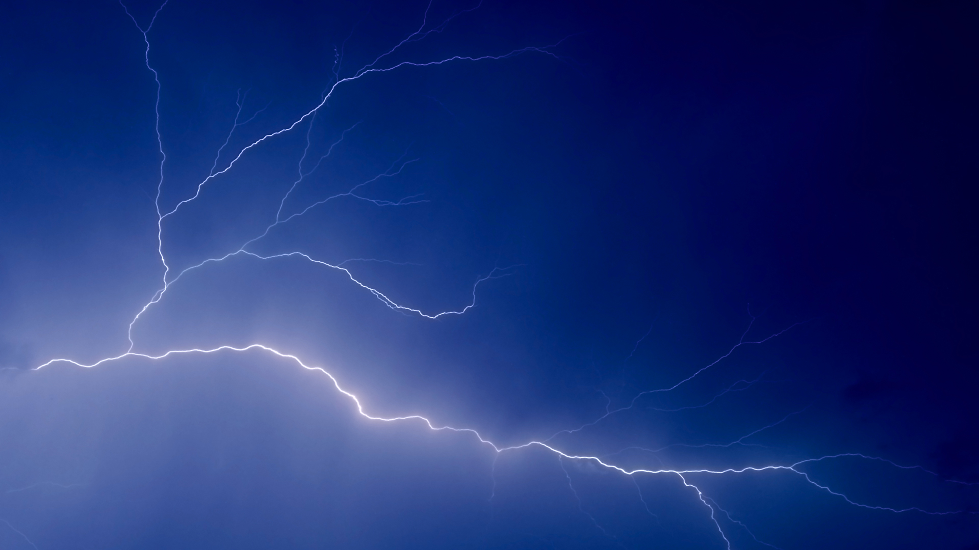 Lightning Streaks Wallpapers