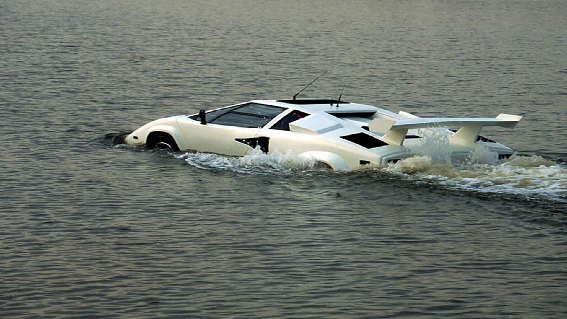 Swimming Lamborghini Wallpapers