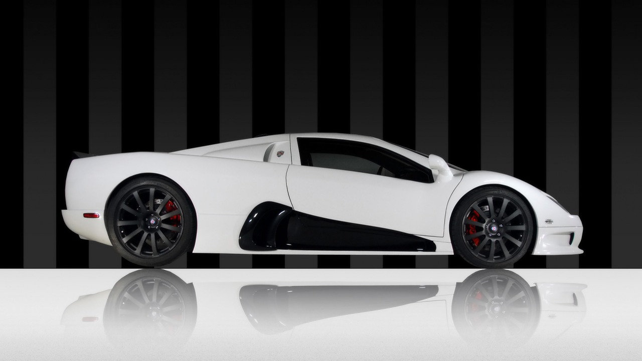 White Lamborghini - Side View Wallpapers
